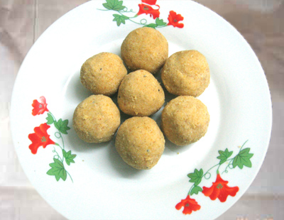 Green gram dal laddu,Paasi paruppu laddu,Sweet recipe