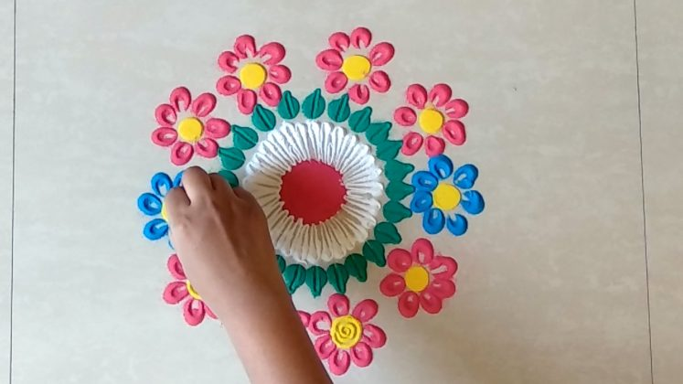 Rangoli Designs for Holi and Gudipadava Festival's | Multicolour Flower Rangoli
