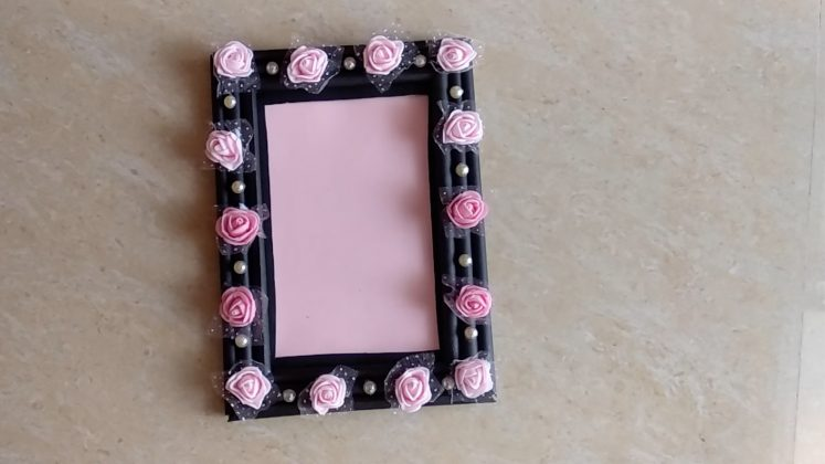 Photo Frame Making at Home with Paper | Latest Picture Frame design DIY